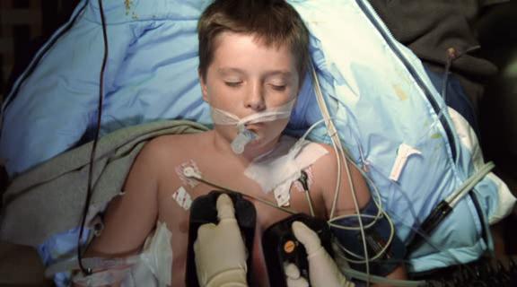 Josh Hutcherson na série ER - Plantão Médico