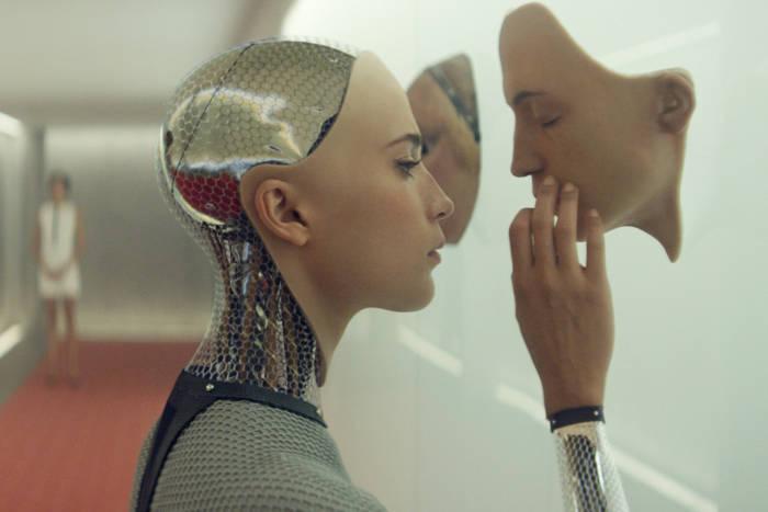 EX MACHINA - 2015 FILM STILL - Alicia Vikander as Ava