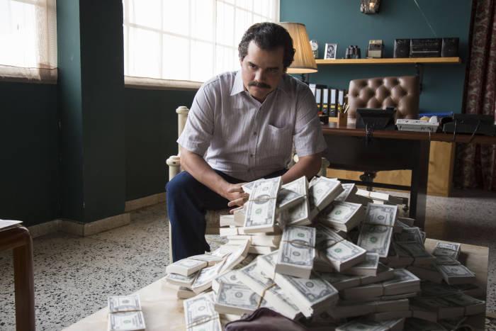 O Wagner tá ganhando dinheiro enquanto você reclama do sotaque dele!