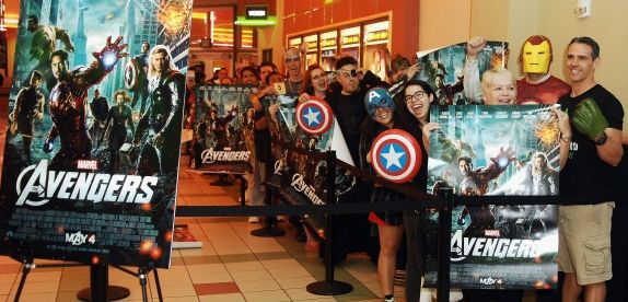 Vingadores: artigo. The Avengers dominou as salas de cinema em 2012.