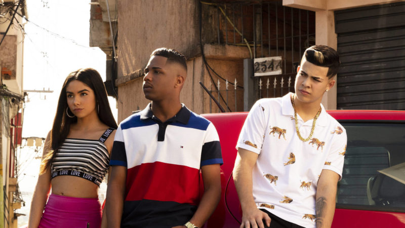 Sintonia - série Netflix - os 3 atores principais posando para foto
