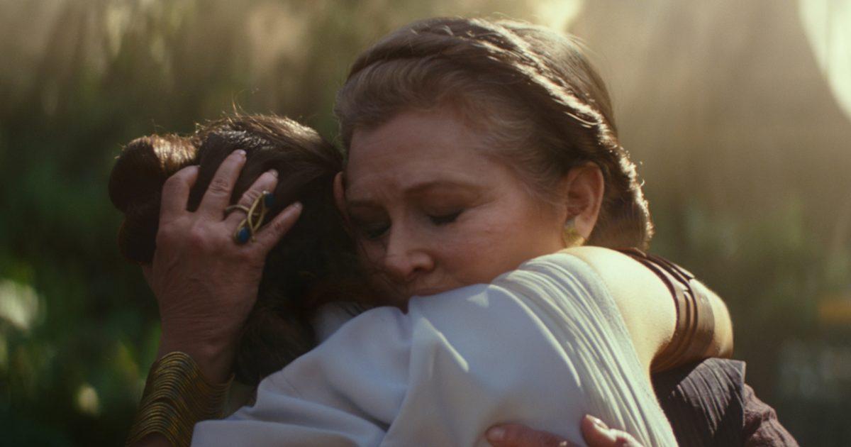 Rey e Leia se abraçando. Star Wars.